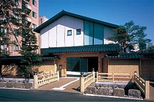 Maeda Tosanokami-ke Shiryokan Museum (Ishikawa)